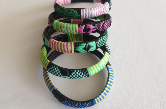 copy of Bracelets africains recyclés en plastique